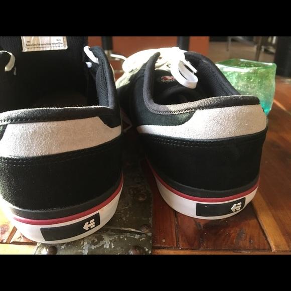 d29b114e3dcf22 Etnies Other - Etnies Black Sneaker - Men s 12